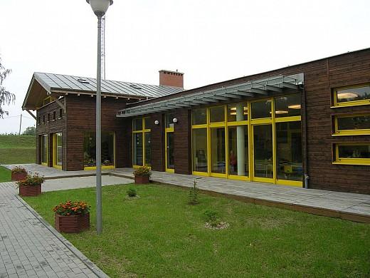 Szkoła podstawowa z przedszkolem